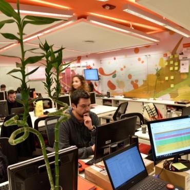 Empleo tecnológico: sueldos de seis cifras y una amplia gama de beneficios