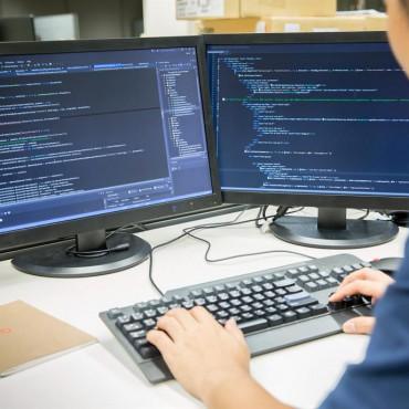 ¿Cómo afectan las nuevas retenciones a la Industria del Software? en Radio Nacional