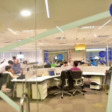 Esfuerzos en red para aumentar el empleo tecnológico